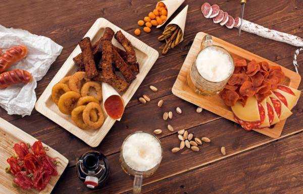 Простые закуски к пиву, которые стоит попробовать даже тем кто не пьет